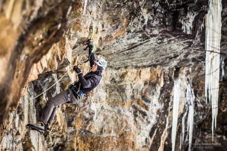 Ryan climbing at Snake Mountain. Photo Credit: Chris Beauchamp