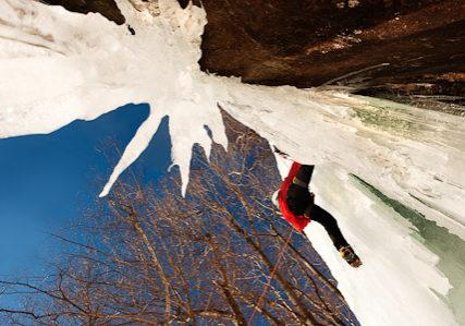 climber_with_icicles_DSC0767notsharp16bit